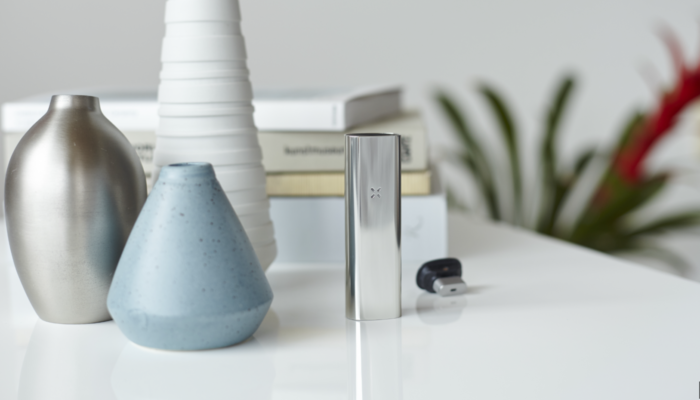 PAX 3 silver home standing