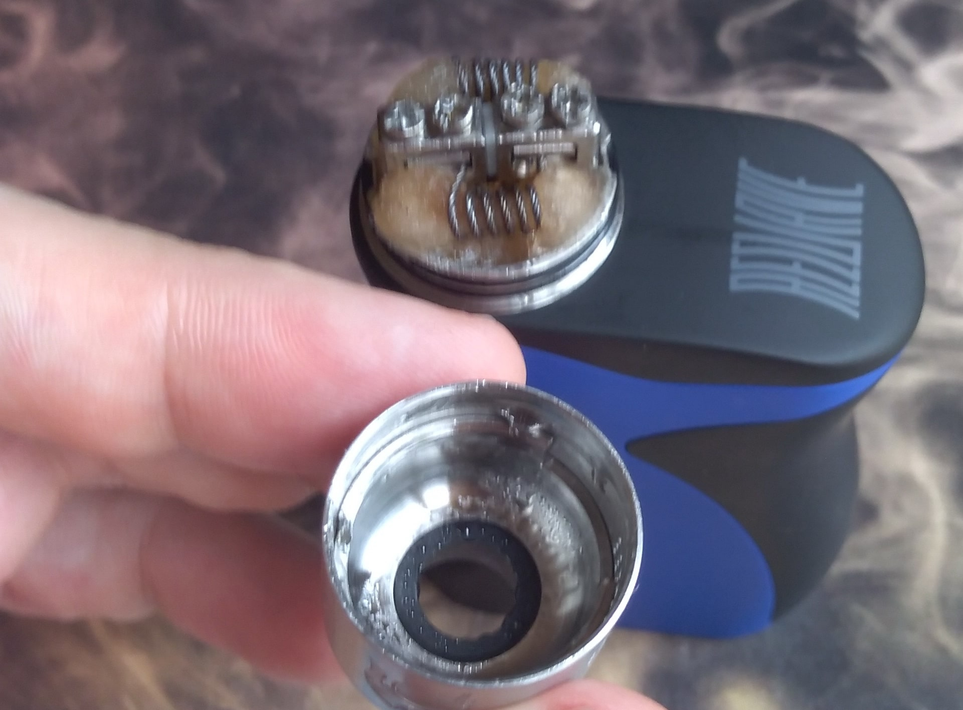 Wotofo Warrior BF RDA conical chamber and condensation after 5ml of juice